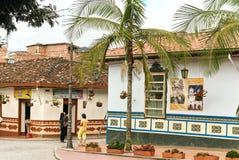 Kolonialna architektura w Guatape, Kolumbia zdjęcia stock