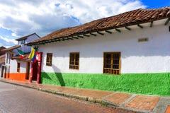 Kolonialna ulica w Bogota, Kolumbia fotografia stock