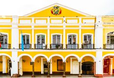 Kolonialny budynek placu dwukropkiem W Cochabamba, Boliwia - Zdjęcie Royalty Free