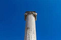 Kolonn av den forntida staden royaltyfria bilder