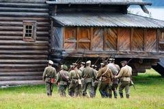 Kolonn av ryska soldater av det första världskriget Royaltyfri Fotografi