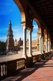 Kolonnad av centrala byggande Plaza de Espana Royaltyfri Bild