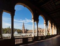 Kolonnad av centrala byggande Plaza de Espana Fotografering för Bildbyråer