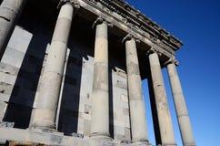 Kolonnad av den Garni templet, Armenien, unesco-arv Royaltyfria Foton