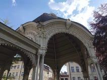 Kolonnade der heißen Quellen in Karlovy Vary, Tschechische Republik stockfotos