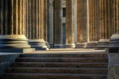 Kolonnade der Kasan-Kathedrale stockfotos