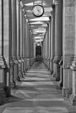 Kolonnade in Karlovy unterscheiden sich, Tschechische Republik Stockbilder