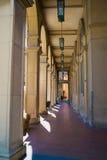 Kolonnade in Santarcangelo di Romagna Lizenzfreie Stockbilder