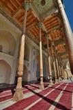 Kolonnaden Bolo Hauz moské byggda uzbekistan arkivfoto
