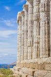 Kolonner av den grekiska templet Arkivfoto