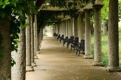 Kolonner av den italienska pergolan på Maymont trädgårdar Royaltyfria Bilder