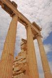 Kolonner av Erechtheion i akropol av Aten Grekland Arkivfoto