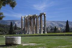 Kolonner av olympiska Zeus Temple, Aten, Grekland Arkivbilder