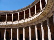 Kolonner av slotten av Charles V i Granada Royaltyfria Foton