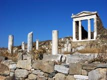 Kolonner i Delos, Grekland Royaltyfria Bilder