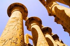 Kolonner i Luxor i Karnak, Egypten Arkivfoton