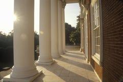 Kolonner på byggnad på universitetet av Virginia inspirerade vid Thomas Jefferson, Charlottesville, VA royaltyfri bild