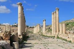 Kolonner på den forntida staden av Jerash Royaltyfri Fotografi