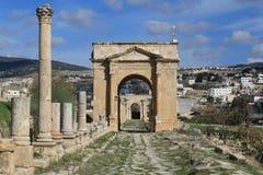Kolonner på den forntida staden av Jerash Royaltyfri Foto