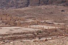 Kolonner på den forntida staden av Jerash Arkivbild