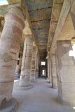 Kolonner på det Karnak tempelet i Luxor Royaltyfri Foto