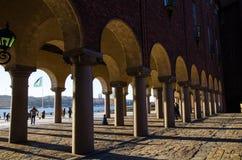Kolonner på det Stockholm stadshuset Fotografering för Bildbyråer