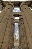 kolonnluxor tempel Royaltyfri Foto