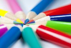 Kolorów ołówków kurenda Patern zdjęcia stock