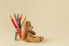 Kolorów ołówki w szklanym słoju Obrazy Royalty Free