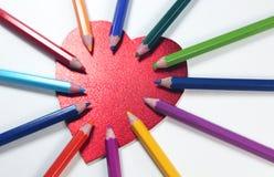 Kolorów ołówki z sercem Zdjęcia Stock