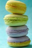 Kolorów słodcy francuscy macaroons Fotografia Stock