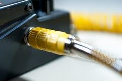 Kolor żółty łączący gitara kabel obrazy royalty free