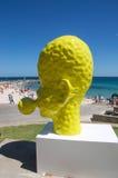 Kolor żółty głowy rzeźba: Podmuchowy bąbel w profilu Zdjęcia Royalty Free