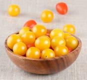 Kolor żółty i czerwoni czereśniowi pomidory Obraz Royalty Free