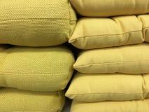 Kolor żółty poduszki fotografia royalty free