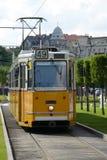 Kolor żółty tramwaj - Budapest zdjęcie stock