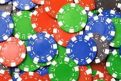 Kolor błękitnej zieleni grzebaka układów scalonych czerwony tło Zdjęcia Stock