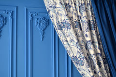 Kolor stora na błękitnej ścianie w pokoju Obraz Stock