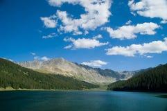 Kolorado-felsige Berge und See Stockfotografie