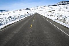 Kolorado-Straße im Winter. lizenzfreie stockfotografie