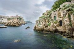 Kolorina fjärd i den historiska Dubrovniken Arkivbild