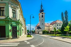 Kolorowa architektura w Koprivnica, Chorwacja obraz stock