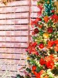 Kolorowa Bożenarodzeniowa dekoracja na drzewie Obrazy Royalty Free