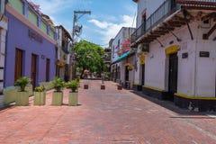 Kolorowa Boczna ulica w Santa Marta Zdjęcia Stock