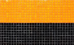 Kolorowa ceramicznych płytek mozaika - pomarańcze i czerń Fotografia Royalty Free