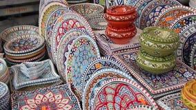 Kolorowa ceramika na słynnym rynku ulicznym Campo di Fiori zdjęcie wideo
