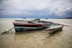 Kolorowa dhow żeglowania łódź zdjęcie royalty free