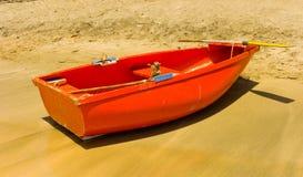 Kolorowa drewniana łódź w karaibskim zdjęcia stock