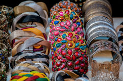 Kolorowa ekstrawagancka biżuteria Zdjęcie Stock