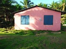 Kolorowa kabina dla czynszowego trzeciego światu Dużej Kukurydzanej wyspy Nikaragua fotografia royalty free